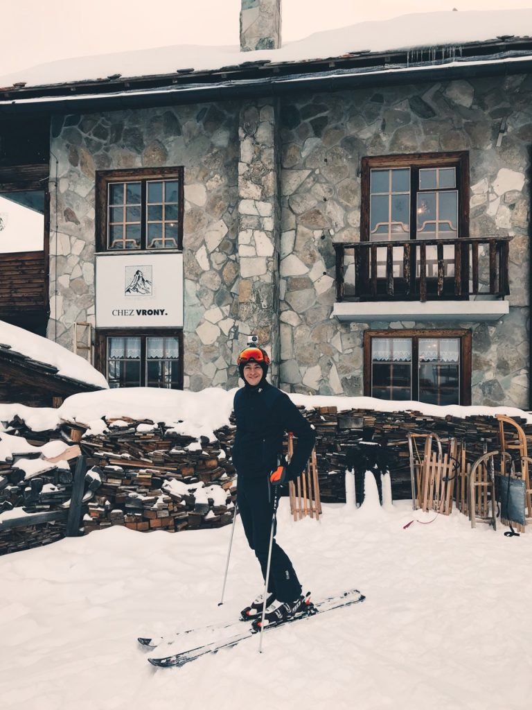 Chez Vrony is perfectly located to enjoy a quick (or not so quick!) lunch on the slopes.
